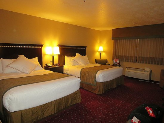 Best Western Plus Canyonlands Inn: spacious bedroom