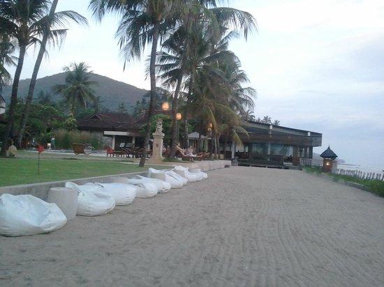 Rama Candidasa Resort & Spa: Man made beach