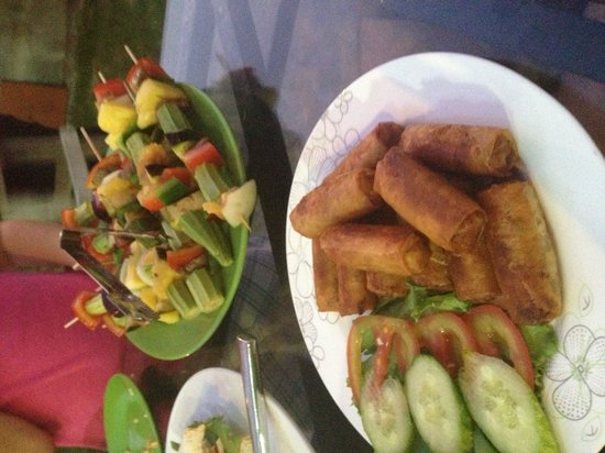 Bo Ke, Be - De 99 : Skewers and spring rolls