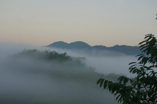 Bamboo Nest de Chiang Rai: Sunrise over Bamboo Nest