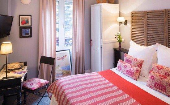 Hotel De La Paix Montparnasse: Guest room