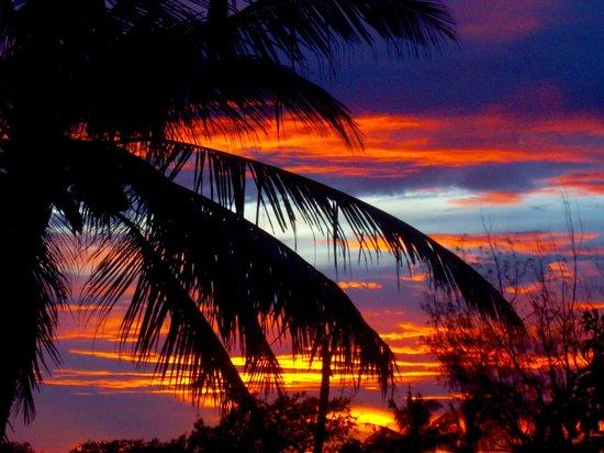Bandari ya Amani Beach Lodge: Sunset