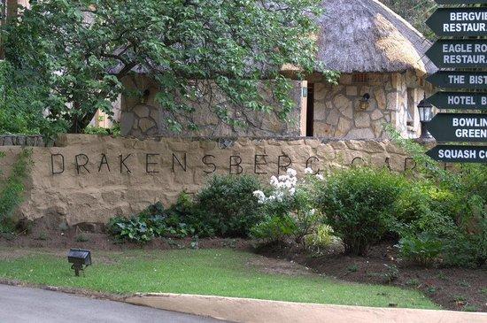 Gooderson Drakensberg Gardens Golf & Spa Resort : Gartenanlage
