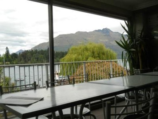 YHA Queenstown Central: Dining corner