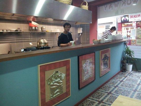 Wok Way : Ambiance cuisine ou le serieux regne. Bravo