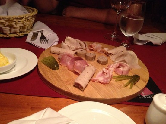 Ratinger Löwe: Ham platter to share