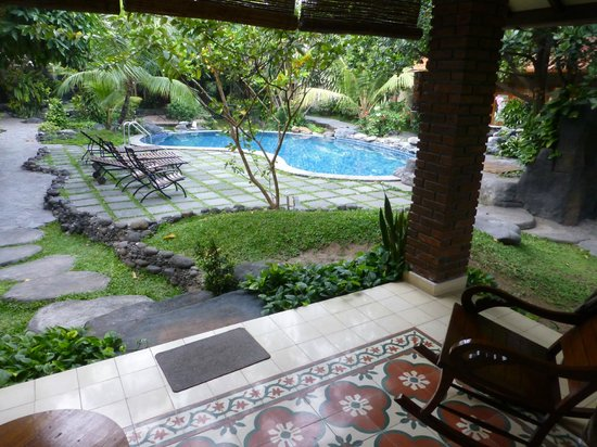 Duta Garden Hotel : Beautiful Pool area from the room.