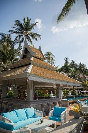 Beyond Resort Karon : @ Beach Bar