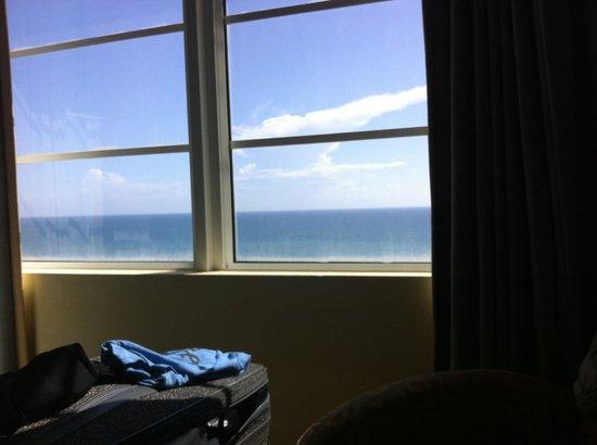Wyndham Ocean Walk: Ocean view from my bed!