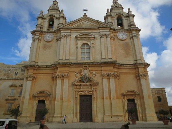 Museo de la Catedral de San Pablo: The cathedral