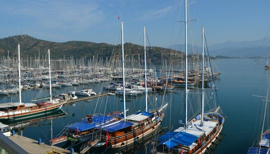 Alesta Yacht Hotel : Vue depuis le restaurant en terrasse