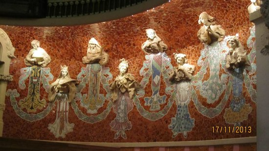 Palais de la Musique Catalane (Palau de la Musica Catalana) : Part of the stage