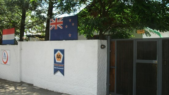 HomeBase Melville: Entrance
