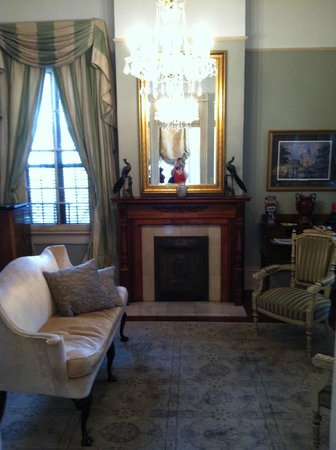 Maison de Macarty: Another view of the sitting room