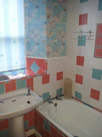 Waverley Hotel: Bathroom