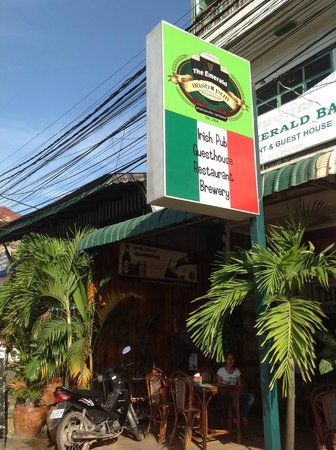 Emerald Bar and Guesthouse: Our brand new sign