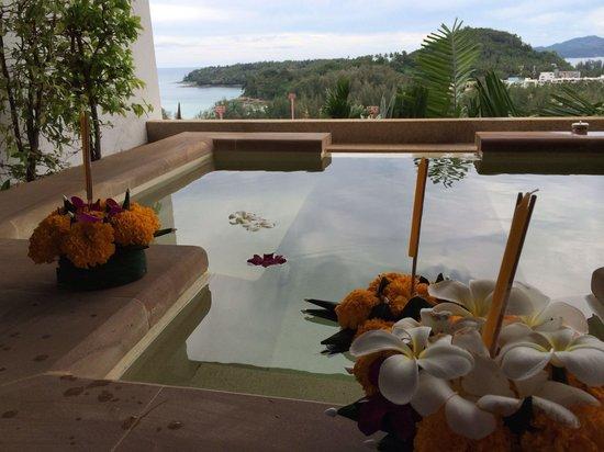 Ayara Hilltops Resort and Spa Surin Beach: Blick  vom Whirlpool