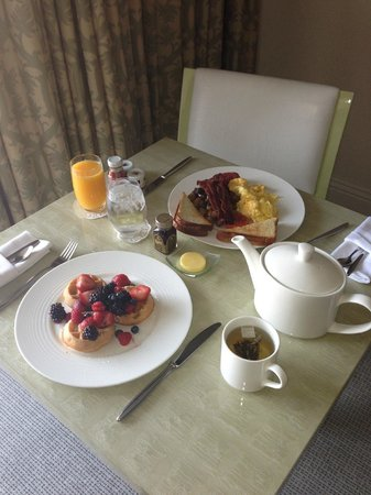 The London West Hollywood: Room service breakfast