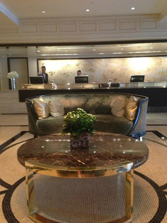 The London West Hollywood at Beverly Hills: Lobby