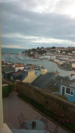 Beacon House B&B: view from harbour view room