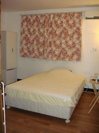 Himawari Hotel: スモールシングル室内