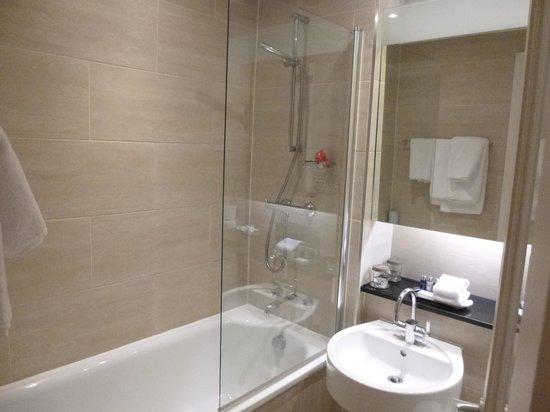 Apex Haymarket Hotel : Bathroom