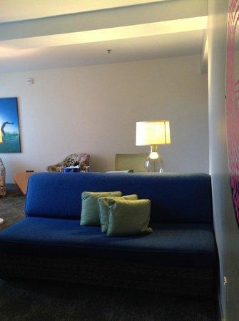 Kimpton Shorebreak Hotel: Love the sofa.
