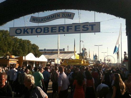 Bier- und Oktoberfestmuseum : Oktoberfest Entrance