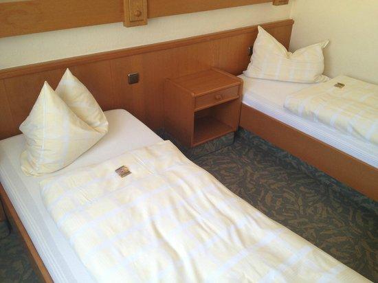 Hotel Einhorn: Einzel- und 2-Bettzimmer