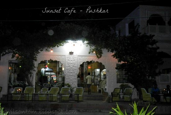 Sunset Cafe: Perfect place for Dinner with Music