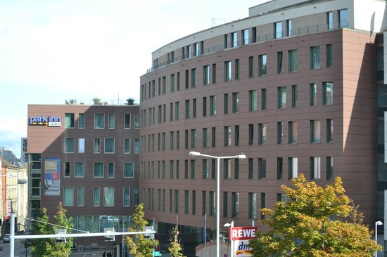 Park Inn by Radisson Stuttgart: Hotel from Marienplatz
