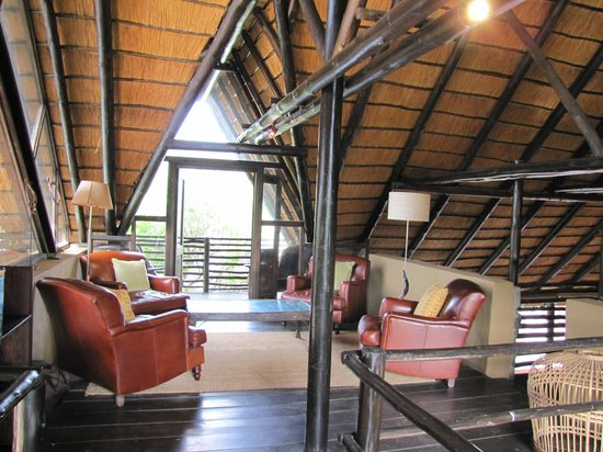 Kariega Game Reserve - River Lodge : Upstairs in the main lodge
