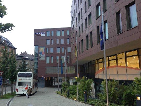 Park Inn by Radisson Stuttgart: Front of hotel