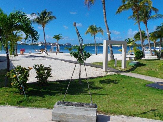 Mercure Saint-Martin Marina & Spa: la plage de l'hotel