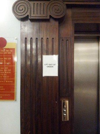 Mercure Leicester The Grand Hotel: ascenseur en panne tous les matins