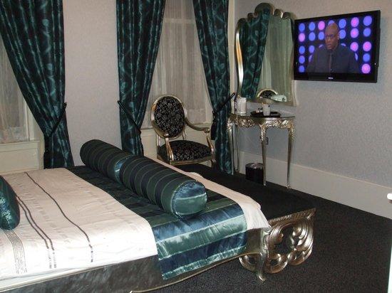 Argyll Hotel: Room