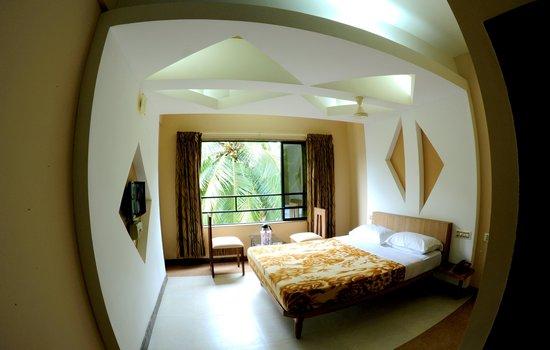 Shambhavi Hotel: photo