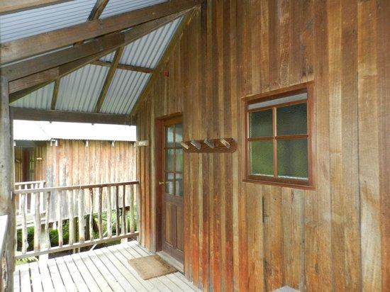 Lemonthyme Wilderness Retreat: Entry door and bathroom window