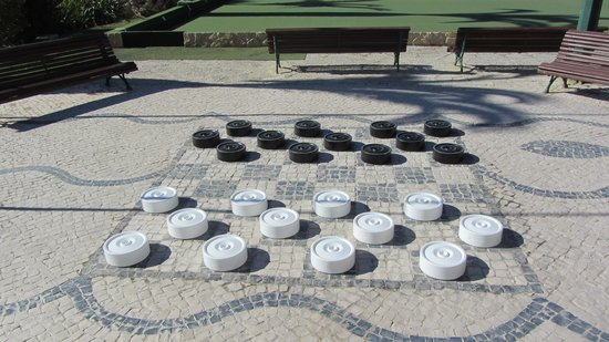 Muthu Clube Praia da Oura: fancy a game of draughs