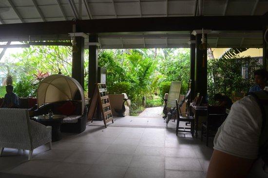 Krabi La Playa Resort: Лобби