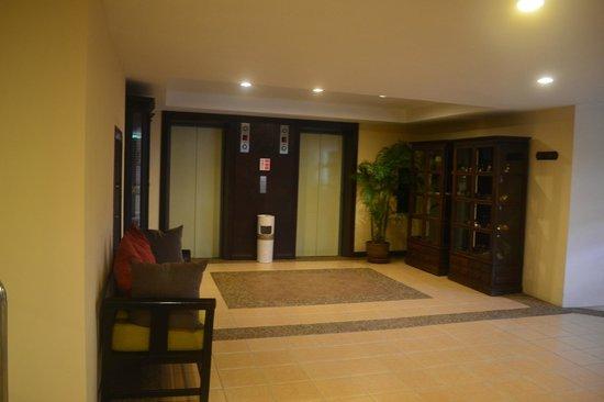 Krabi La Playa Resort: Лифты
