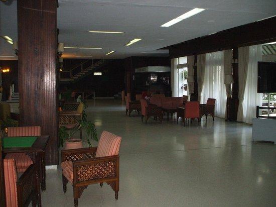 Chellah Hotel Tangier: bar