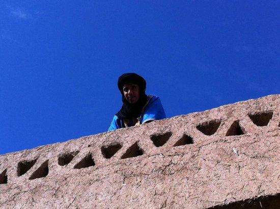 Riad Tadarte Restaurant : Idir sur le toit de son riad