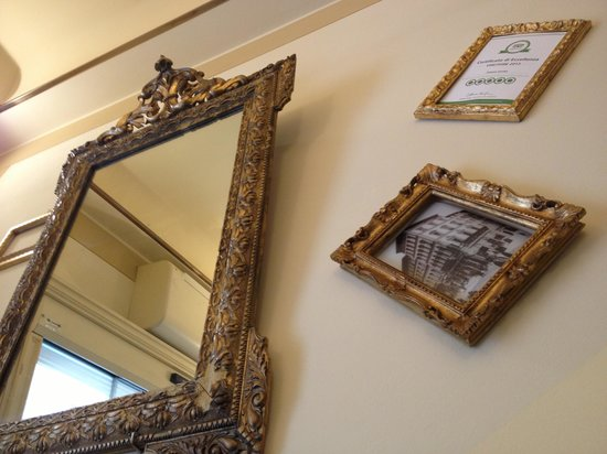 Palazzo Gamba: cute small lobby