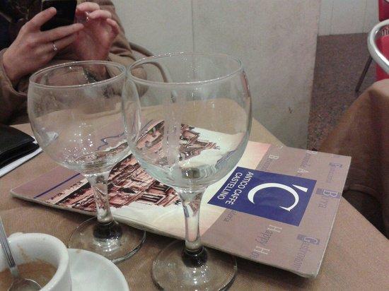 Antico caffe castellino: Glasses @ Antico Castellino