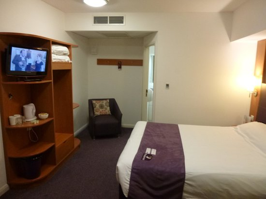 Premier Inn Scarborough Hotel: Room