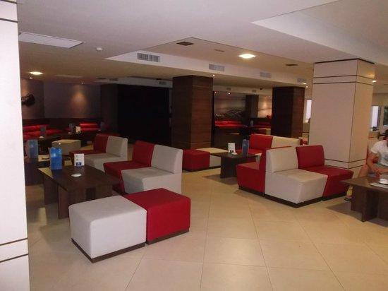Pabisa Bali: espace salon  de l'hôtel
