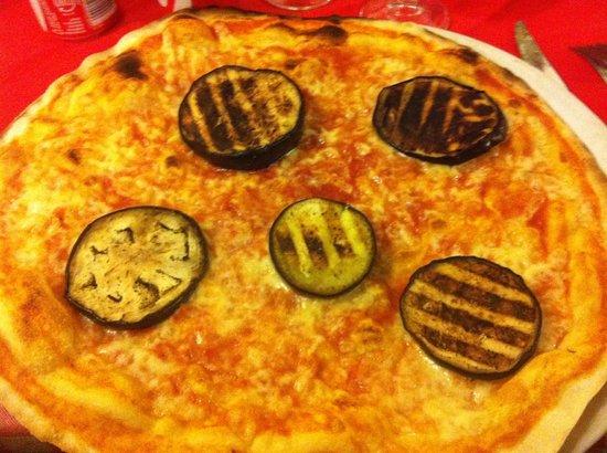 Taverna Le Coppelle: Pizza con le melanzane