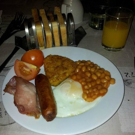 Abbey Lodge Hotel: english breakfast and toasts