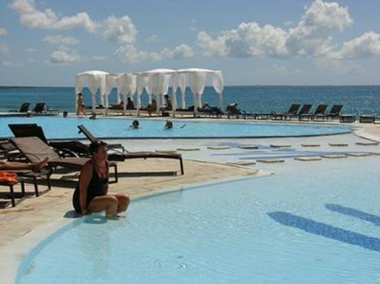 Viva Wyndham Dominicus Palace: A great pool - one of two